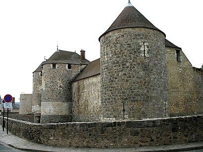Como chegar até Château de Dourdan com o transporte público - Sobre o local