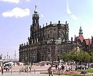 Dresden-Hofkirche.04