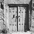 Drzwi prowadzące do domostwa, okute ćwiekami z kołatka i zamkiem - Beškapa – Quajsar - 002107n.jpg