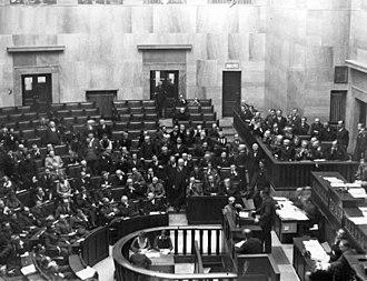 Sejm - Stanisław Dubois speaking to envoys and diplomats in the Sejm, 1931