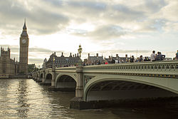 EH1066172 Westminster Bridge 03.jpg