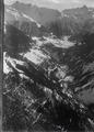 ETH-BIB-Stugl, Bergün, Albulatal, Piz Ott v. N. W. aus 2200 m-Inlandflüge-LBS MH01-005575.tif