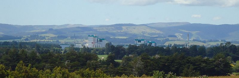 Edendale as seen from a distance, the Fonterra dairy factory prominent