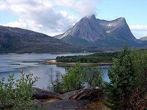 Efjord Norwegen.jpg