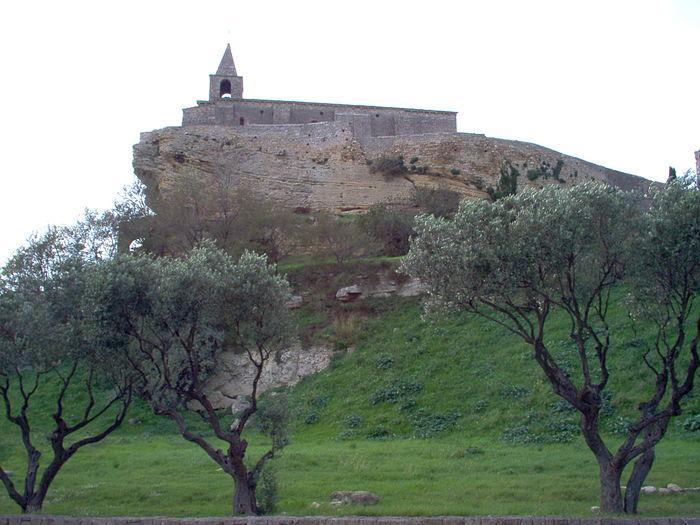 Eglise saint sauveur monument historique fos sur mer for Piscine fos sur mer