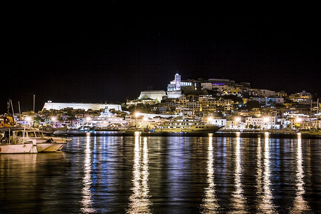 Eivissa Patrimonio de la Humanidad vista desde el puerto