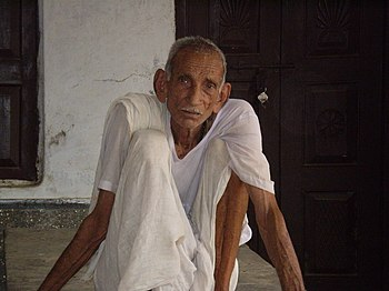English: Elderly in the village Chandesh