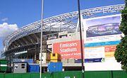 Emirates Stadium w budowie