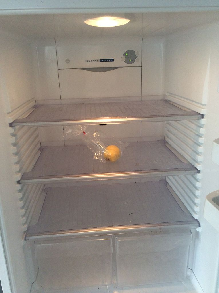 File Empty Fridge Jpg Wikimedia Commons