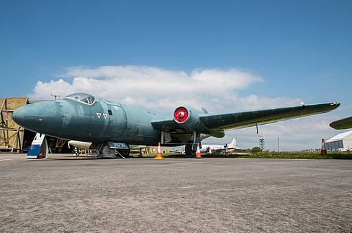 English Electric Canberra T4 - WJ874 - VN799 - Flickr - lynothehammer1978