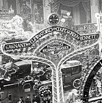Enseigne Brasier au Salon de l'Automobile 1905.jpg