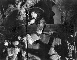 Ernest Torrence as Captain Hook in the film Peter Pan (1924)