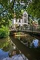 Esslingen aN - Altstadt - Deffnerstraße 6-1 - Wohnhaus mit Brücke.jpg