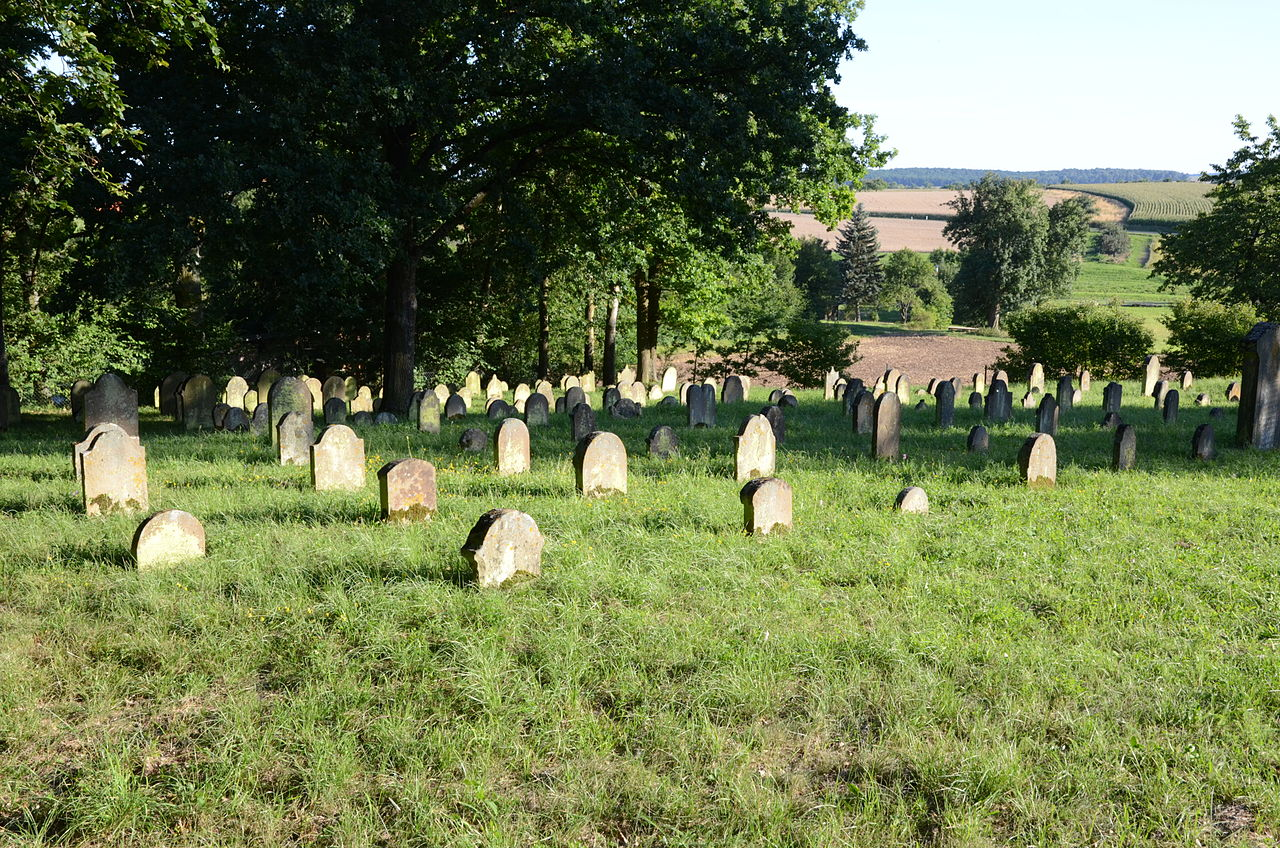 Euerbach Jüdischer Friedhof 011.jpg