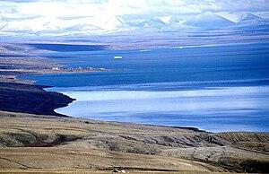 Sawtooth Range (Nunavut) - Slidre Fiord with Eureka Weather Station: Fosheim Peninsula and Sawtooth Range