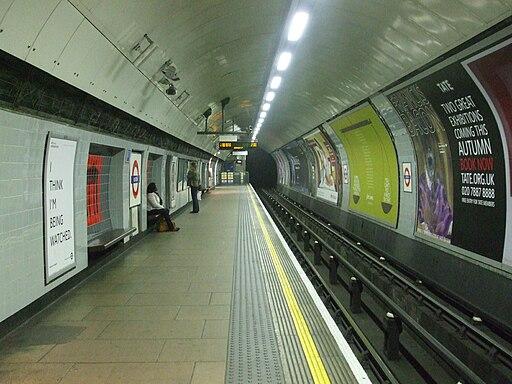 Euston tube stn Northern Bank branch northbound