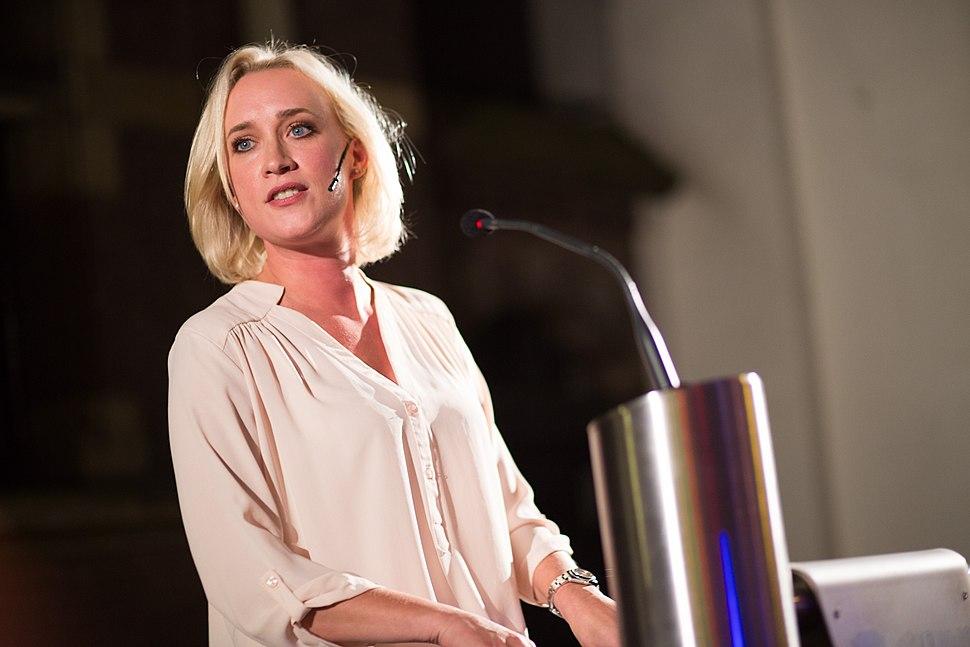 Eva Jinek bij het NVJ Festival van de Journalistiek 2016- Leren specialiseren! (29800783252)
