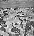 Excelsior Glacier, valley glacier, and mountain glaciers with bergschrund, September 13, 1972 (GLACIERS 6502).jpg