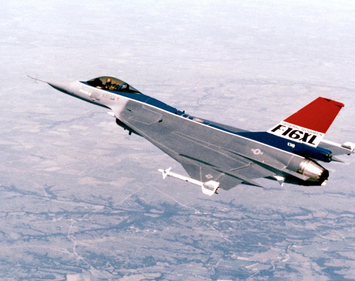 ジェネラル・ダイナミクス F-16XL