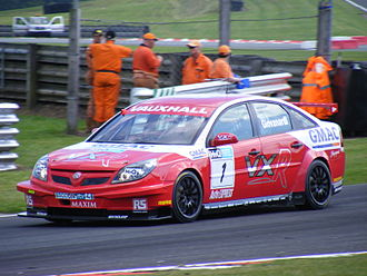Triple Eight Racing - Fabrizio Giovanardi driving a Vauxhall Vectra for the VX Racing team
