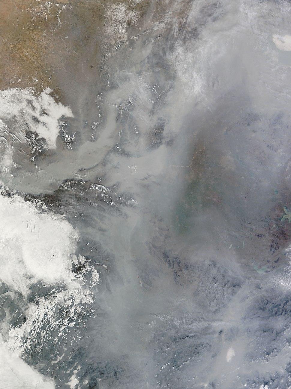 Feb 2011 Haze over China