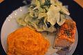 Fennikel med citron, mos af søde kartofler og bagt laks (6642943441).jpg