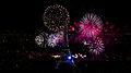 Feu dartifice du 14 juillet 2012 sur le sites de la Tour Eiffel et du Trocadéro à Paris vu de la Tour Montparnasse.jpg