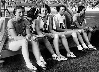Athletics at the 1936 Summer Olympics – Women's 80 metres hurdles - Image: Five finalists of women's 80 m hs (1936 Summer Olympics)