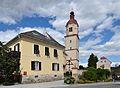 Fladnitz - doctor house and Pfarrkirche hl. Nikolaus.jpg