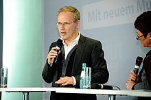 Wikipedia: Reinhold Beckmann at Wikipedia: 220px-Flickr_-_boellstiftung_-_Podiumsdiskussion_%285%29