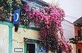Flores, Guatemala - Balcon, Abril 2002.jpg