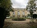 Fontaine-musée-lycéemilitairedeSaintCyr.jpg