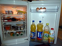 Food into a refrigerator - 20111002.jpg