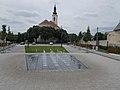 Fountain and Our Lady church, 2017 Soroksár.jpg