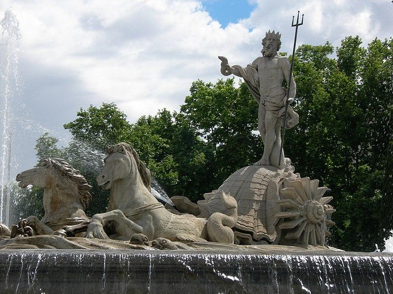 Archivo:Fuente de Neptuno (Madrid) 06.jpg