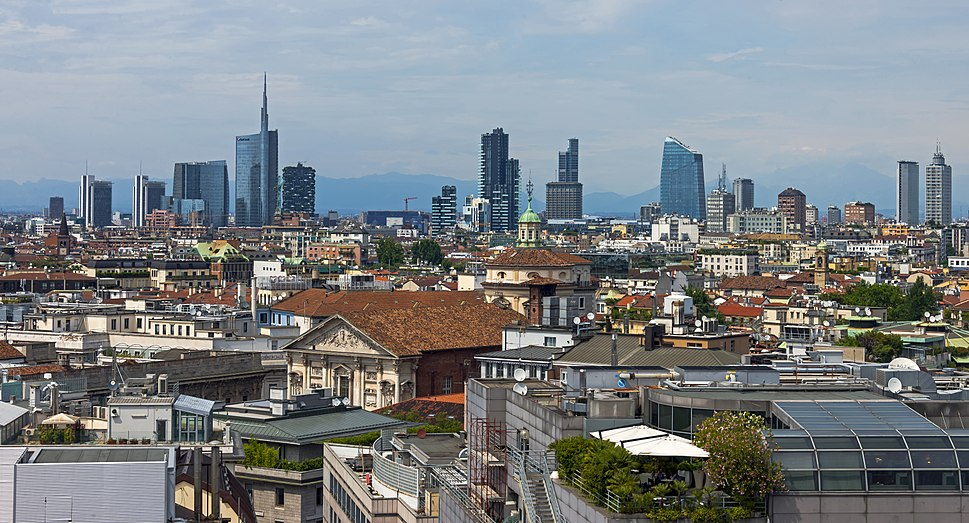 Full Milan skyline from Duomo roof