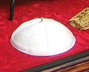 Gamarelli Papal zucchetto20050412