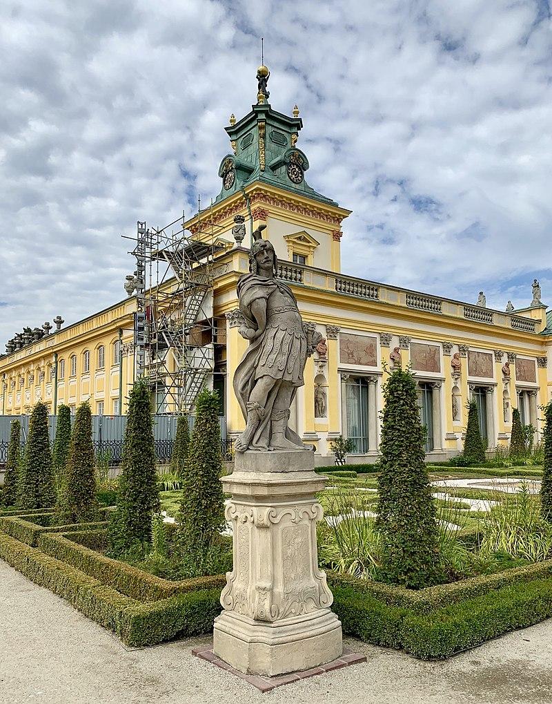 Садовые скульптуры Вилановского дворца, Польша 09.jpg