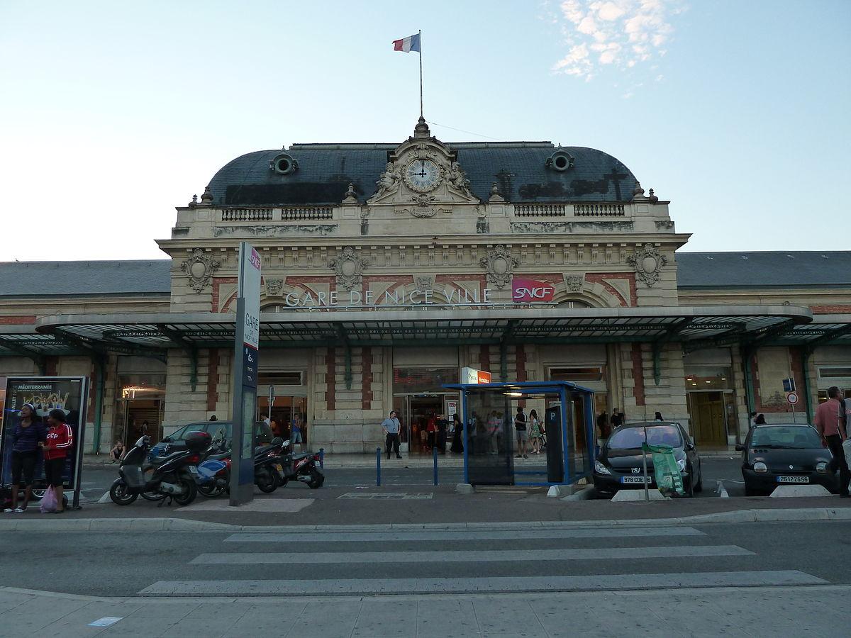 Parking Ville De Saint Julien En Geneuvois
