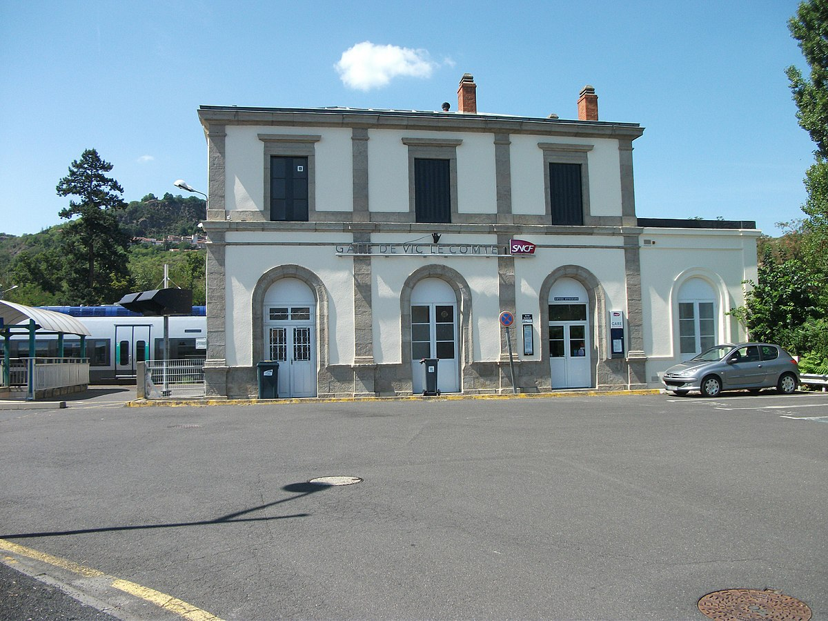 Gare de vic le comte wikip dia for Piscine vic le comte