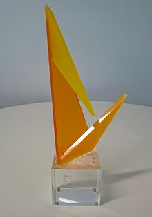 The trophy of the Georges Giralt PhD Award represents one part of the SPARC logo