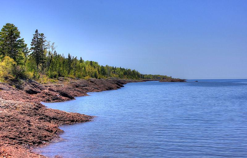 File:Gfp-michigan-upper-peninsula-shoreline-of-lake-superior.jpg
