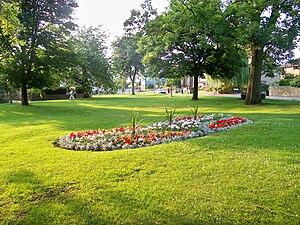 Gildersome - Image: Gildersome village green