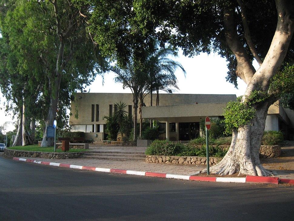 Givat Hen002