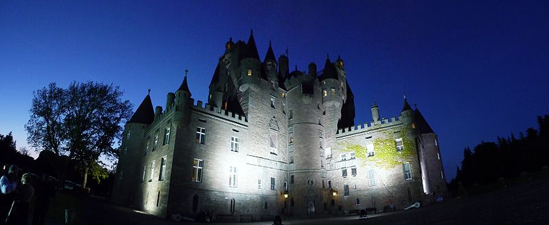 File:Glamis castle.JPG