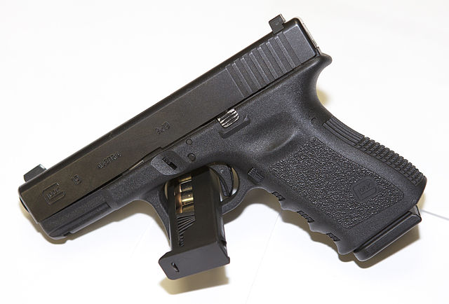 https://commons.wikimedia.org/wiki/File:Glock_19_(9mm),_Generation_3.jpg
