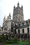 Gloucester Cathedral (Holy Trinity) (14983026029).jpg