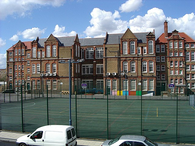 File:Gloucester Primary School, Peckham North - geograph ...