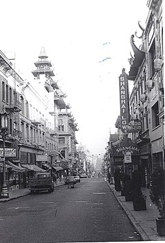Photo of Chinatown along Grant Avenue in San Francisco