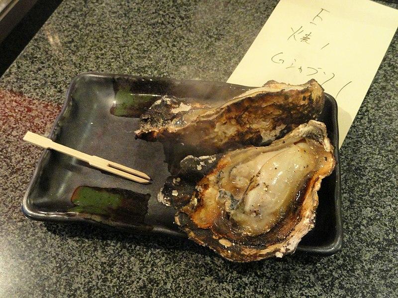 800px-Grilled_oysters_Food_in_Miyajima_-_DSC02189.JPG